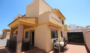 3 Bedroom Quad House in Los Altos.   Ref:ks0294