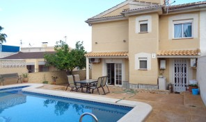 Semi-Detached Villa with Private Pool in Los Balcones.    Ref:ks0524