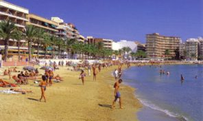 50 m from Beach! Holiday Rental Apartment in Torrevieja.  Ref:R0785