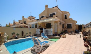 Quad with Private Pool in Mil Palmeras.  Ref:ks0771