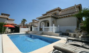 4 Bedrooms Villa near Beach in Cabo Roig.  Ref:ks0820