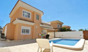Luxury Villa with Private Pool in Los Balcones.   Ref:ks0895