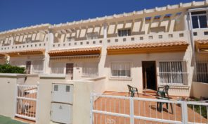 BEACHSIDE! TOWNHOUSE  IN CABO ROIG.  Ref:ks0874