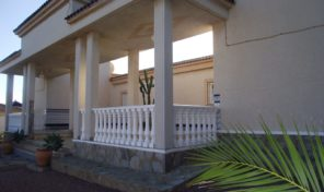Large Villa with Private Pool in Villamartin.  Ref:ks0936