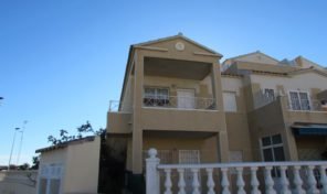 Top Floor Bungalow in Torrevieja.  Ref:ks0939
