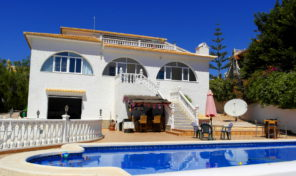 660 m2 Detached Villa Villamartin.   Ref: mks0979