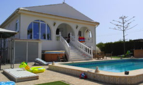 Reduced!Large 5 Bedroom Villa Los Montesino.  Ref:mks0982