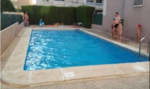 Ground Floor Apartment with Large Yard in Torrevieja.  Ref:ks0990