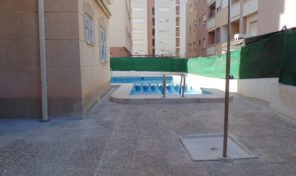Apartment with Communal Pool in Torrevieja.  Ref:ks0992