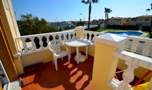 Top Floor Bungalow in Playa Flamenca.  Ref:ks1011