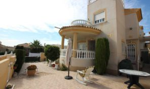 Large Detached Villa in Villamartin.  Ref:ks1040