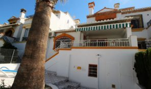 Large Townhouse next to Golf in Villamartin.  Ref:ks1092