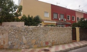 Large Corner Townhouse in Torrevieja.  Ref:ks1169