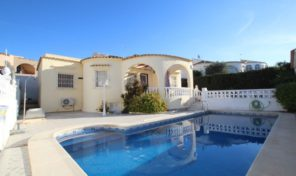 Traditional Spanish Style Villa in Villamartin.  Ref:ks1196