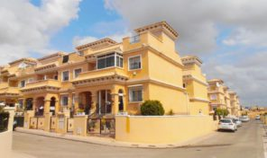 Large Townhouse in Villamartin Pau26.  Ref:ks1199