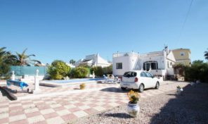 Large Plot Detached Villa in Torrevieja. Ref:ks1239
