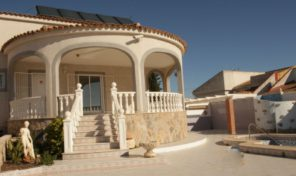 Large Villa with Private Pool in Torrevieja.  Ref:ks1237