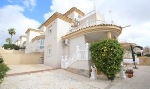 Detached Villa with Open Views in Villamartin.  Ref:ks1234