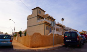 SOLD! Large Detached Villa with Garage in Villamartin.  Ref:ks1100