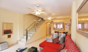 REDUCED!!!Renovated Townhouse with Garage in La Florida.  Ref:ks1268