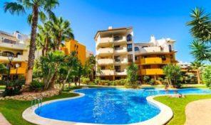 Large Luxury Beachside Apartment in Punta Prima. Ref:ks1252
