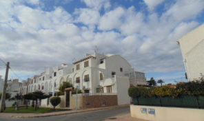 Refurbished Townhouse close to the beach in Torrevieja. Ref:ks1320
