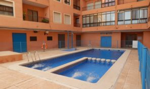 LOVELY APARTMENT WITH COMMUNAL POOL IN TORREVIEJA. Ref:ks1306