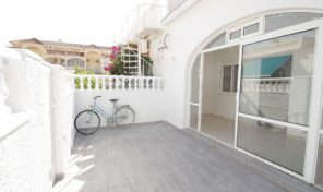 Renovated! 4 Bedrooms Semi Detached House in Torrevieja.  Ref:ks1343