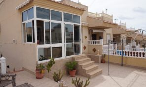 5 Bedrooms Semi-Detached Villa in Villamartin.  Ref:ks1362