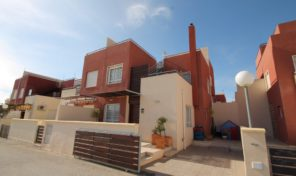 Large Modern Quad in Villamartin. Ref:ks1340