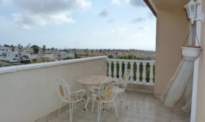OFFER!Large 5 Bedrooms Villa in Villamartin.  Ref:ks1373