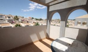 3 Bedrooms Top Floor Bungalow in Villamartin.  Ref:ks1388