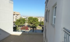 Great Apartment with Garage and Pool in Torrevieja.  Ref:ks1396