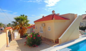 4 Bedrooms Villa with Large 500 m2 Plot in Villamartin.  Ref:ks1411