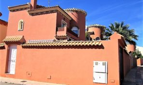 Large Detached Villa with Private Pool in Playa Flamenca.  Ref:ks1410