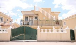 Large Villa with Studio Apartment in Villamartin.  Ref:ks1420