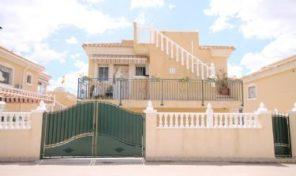 Large Villa with Studio Apartment in Villamartin.  Ref:ks1420