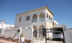 Reduced! Large Detached Villa with Private Pool in Villamartin. Ref:ks1415