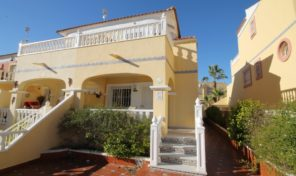 Great condition Semi-Detached Villa in Villamartin.  Ref:ks1421