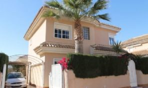 Luxury 4 bedrooms Detached Villa in Los Altos.  Ref:ks1458