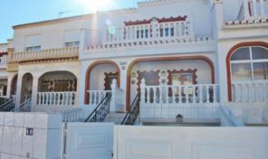 Great Townhouse with large Garage in Torrevieja.  Ref:ks1472