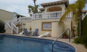 5 Bedrooms Villa with Pool & Large plot in La Zenia.  Ref:ks1447