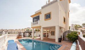 Great Villa near the La Zenia Boulevard.  Ref:ks1451