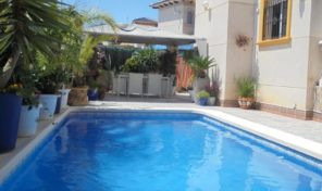 Large Villa with Private Pool in Playa Flamenca.  Ref:ks1445