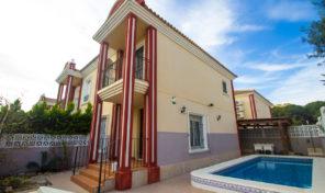 Great Semi-Detached Villa with Pool near the Beach in Campoamor.  Ref:ks1459