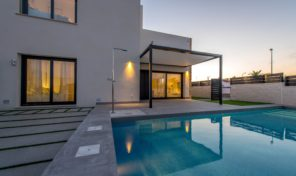 NEW Lux Villa with Pool in Quesada. Ref:ks1481