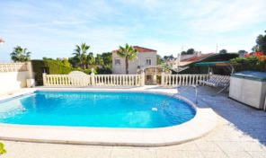 Detached Villa with massive Plot and Private Pool in Los Balcones. Ref:ks1507