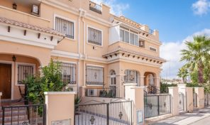 Lovely Great Condition Townhouse in Villamartin.  Ref:ks1502