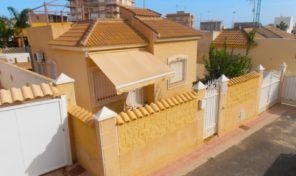 REDUCED!!! Detached Villa 300 m from the Beach in Torrevieja.  Ref:ks1479