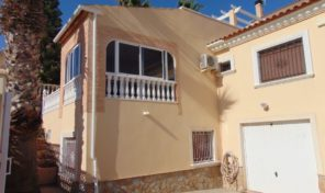 Large Villa with Pool and Garage in Villamartin. Ref:ks1474